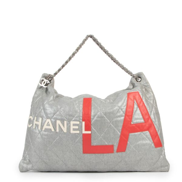 Chanel Silver & Red LA Shoulder Bag for the best price at Labellov secondhand luxury