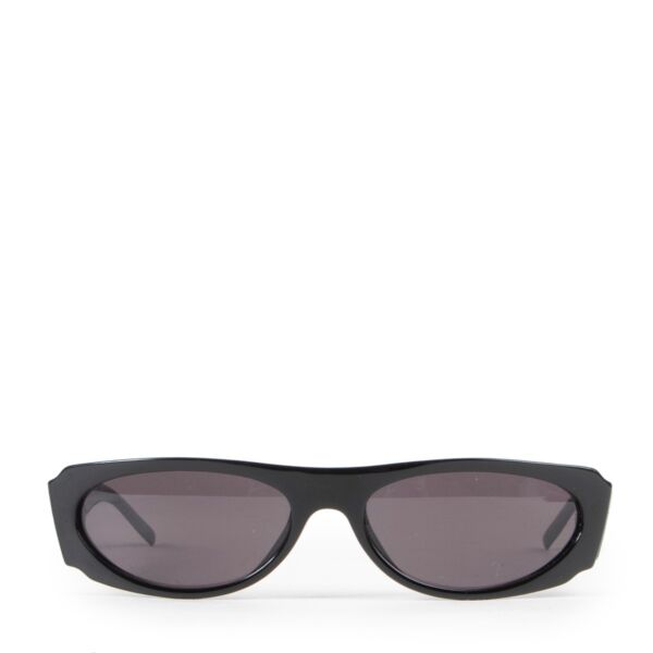 Gucci Black Sunglasses on Labellov luxury vintage website with designer trends in good condition