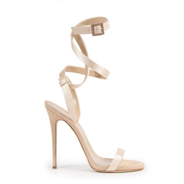 Authentieke Tweedehands Guiseppe Zanotti for Jennifer Lopez Satin Sandals - size 40 juiste prijs veilig online shoppen luxe merken webshop winkelen Antwerpen België mode fashion