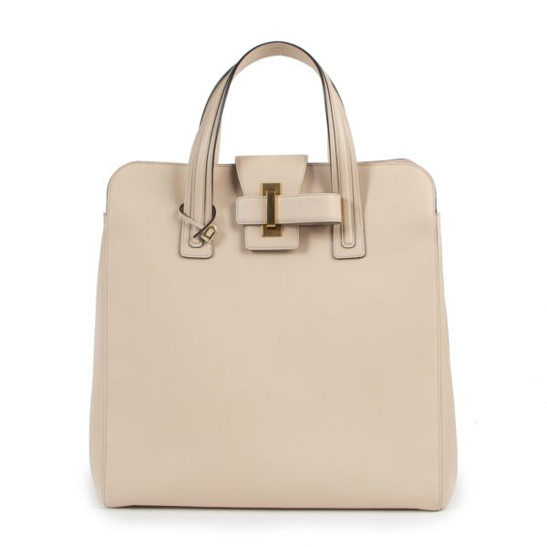 Delvaux Nude Simplissime NS for the best price at Labellov secondhand luxury in Antwerp