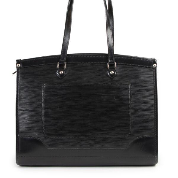 Authentieke Tweedehands Louis Vuitton Black Epi Leather Madeleine Bag juiste prijs veilig online shoppen luxe merken webshop winkelen Antwerpen België mode fashion