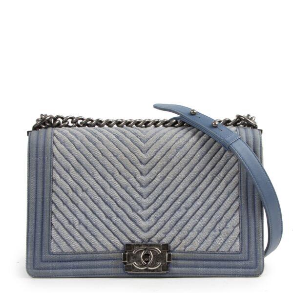 Authentieke tweedehands Chanel juiste prijs vintage webshop LabelLOV veilig online winkelen designer België Antwerpen mode fashion