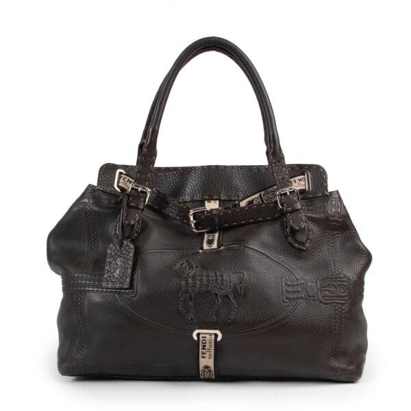 Brown Fendi horse bag in good condition. Fendi shoulder bag in brown leather. Good condition fendi shoulder bag.