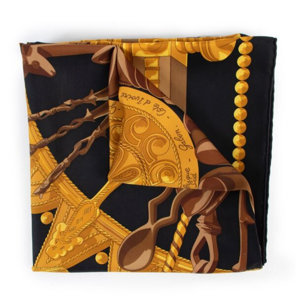Buy an authentic second hand Hermès Cuillers D'Afrique silk scarf at Labellov