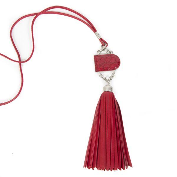 Authentieke Tweedehands Delvaux Red Leather D Necklace with Fringes juiste prijs veilig online shoppen luxe merken webshop winkelen Antwerpen België mode fashion