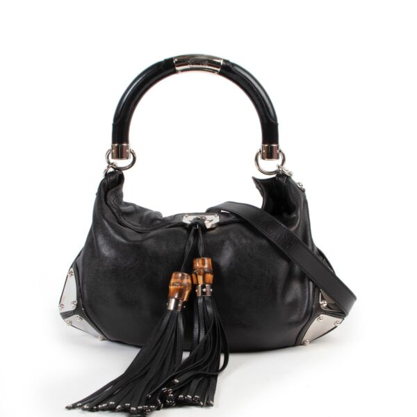 Shop safe online authentic second hand Gucci Black Bambouska Indy Shoulder bag in very good condition at the right price at Labellov in Antwerp.