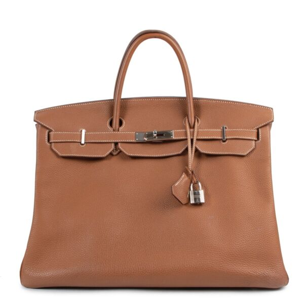 Shop safe online authentic Hermès Birkin 40 Togo Gold PHW in very good condition, at the right price at Labellov.com.
