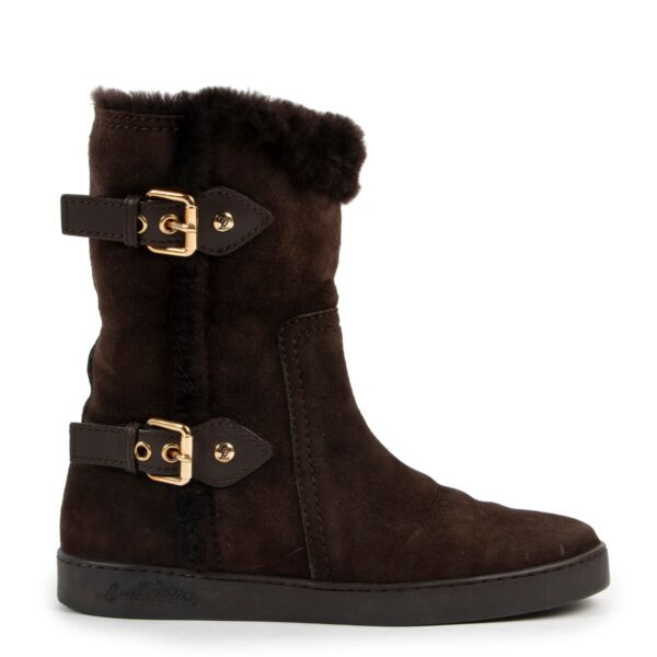 Louis Vuitton Brown Shearling Boots in Size 36.5 in very good condition for sale on Labellov Vintage Luxury shop in Antwerp with 2nd hand designer goods
