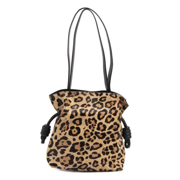 Loewe Small Flamenco Knot Leopard-Print Calf Hair Shoulder Bag kopen en verkopen aan de beste prijs
