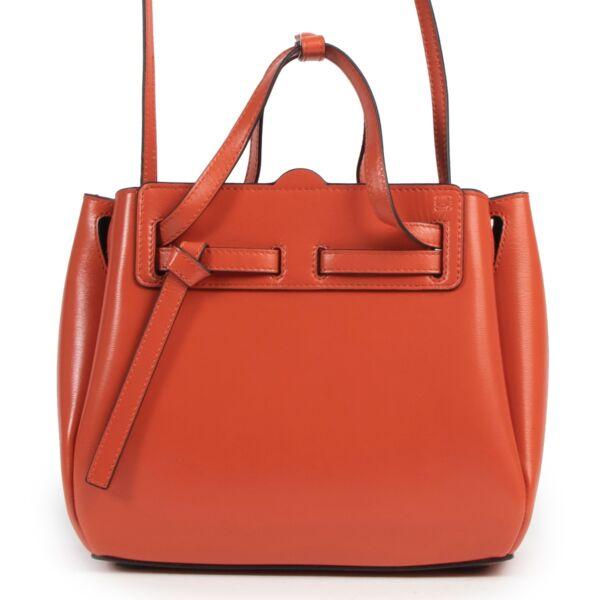 Achetez un authentique sac Loewe Lazo en rouge d'occasion au juste prix.