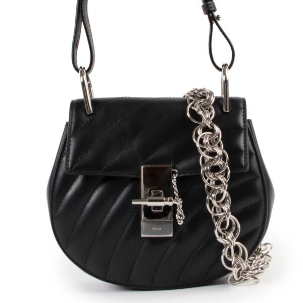 Shop safe online at labellov in Antwerp this 100% authentic second hand Chloé Black Drew Bijoux Crossbody
