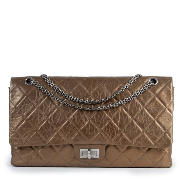 Chanel 2.55 Jumbo Metallic Gold Double Flap Bag in good condition on Labellov Vintage site for 2nd hand designer bags