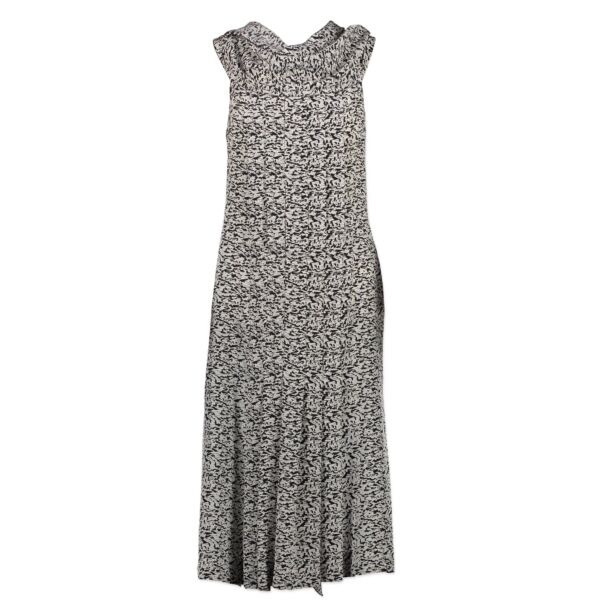 Are you looking for an authentic Chanel Silk Black & White Geometric Print Dress - Size 36