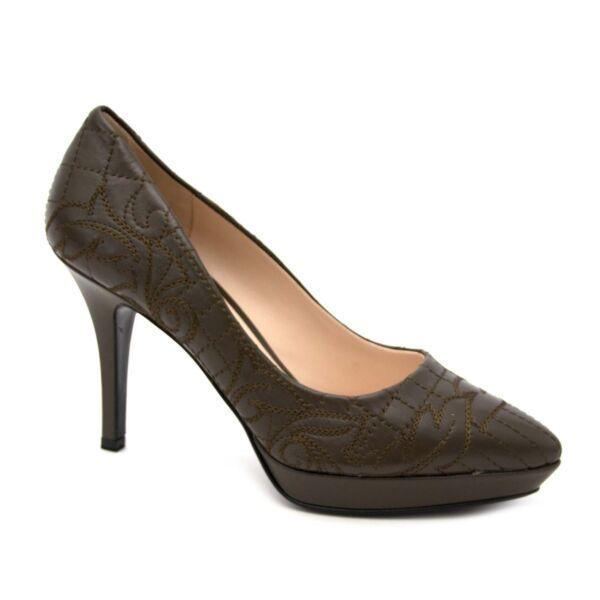 acheter en ligne seconde main *NEVER USED* Versace Khaki Quilted Pumps - Size 38