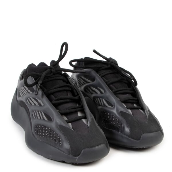 """Adidas Yeezy Boost 700 v3 """"Alvah"""" Black Sneakers - size 40"""