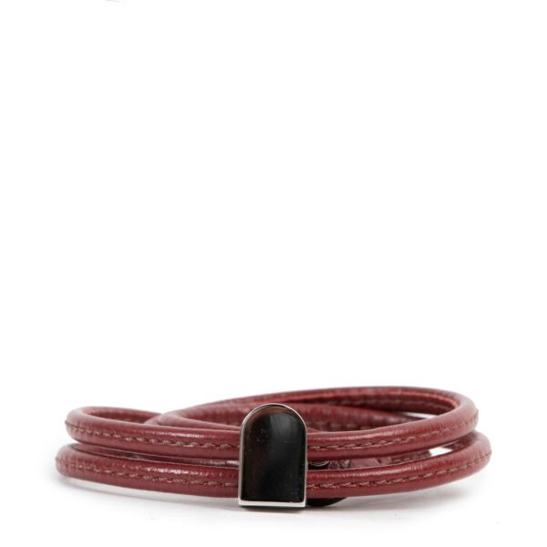 Delvaux Red Leather Necklace  at Labellov online or in store available for a reasonable price and in good condition. Get them now!