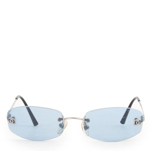 Shop safe online 100% authentic second hand Chanel Blue Retro Sunglasses at Labellov in Antwerp.