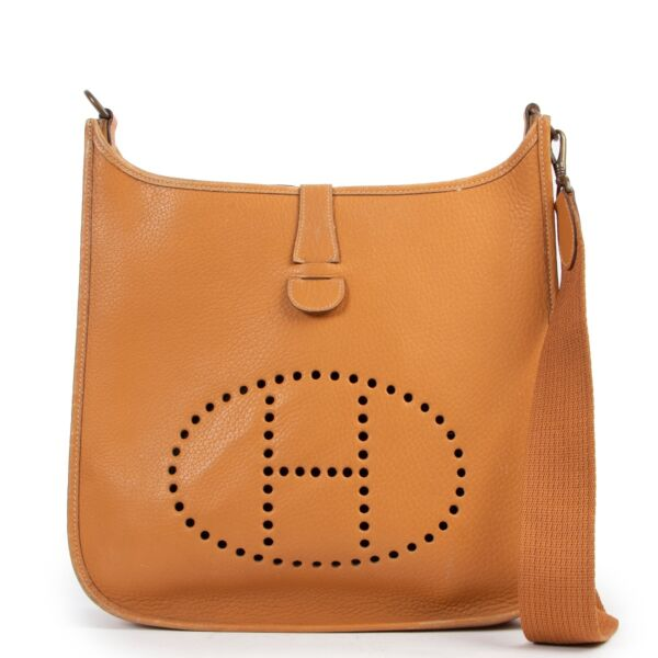 Shop safe online 100% authentic second hand Hermès Cognac Evelyne 33 Bag in very good condition at the right price at Labellov in Antwerp.