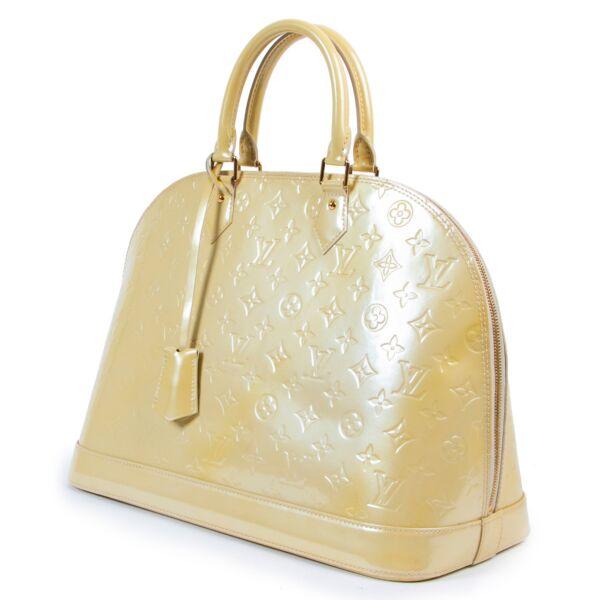 Louis Vuitton Alma Vernis GM Blanc Corail