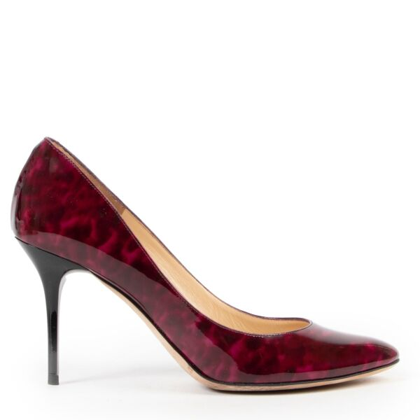 Shop safe online authentic second hand Jimmy Choo Purple Pumps. Buy online Jimmy Choo Purple Pumps in a safe way. Shop Jimmy Choo Purple Pumps online safely.