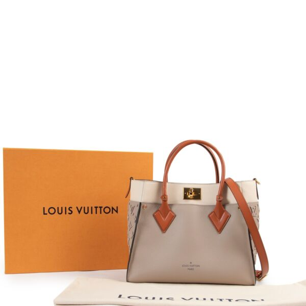 Louis Vuitton Galet On My Side
