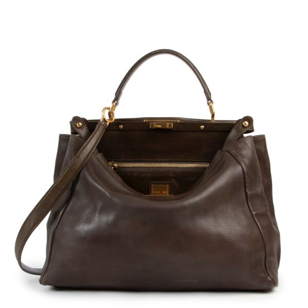 Shop safe online authentic second hand Fendi Khaki Peekaboo Large Shoulder bag at the right price and in very good preloved condition at Labellov.com.