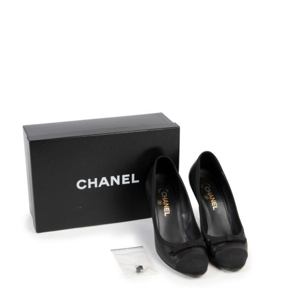 Chanel Black Pumps - size 39