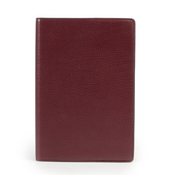 Shop safe online 100% authentic Delvaux Burgundy Agenda in very good condition at the right price at Labellov in Antwerp.