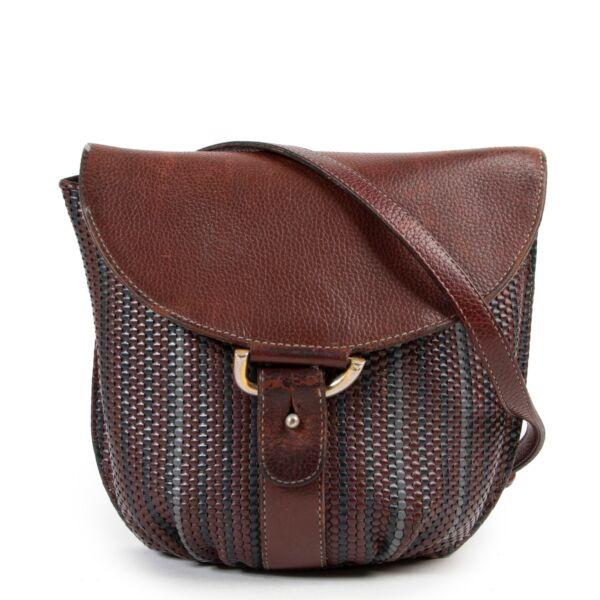 Shop safe online Delvaux bags for the best price at Labellov. Shop safe online your secondhand Delvaux Toile De Cuir Crossbody