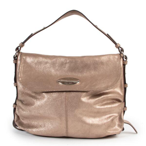 Buy online Mulberry Gold Shoulder Bag in a safe way. Shop online Mulberry Gold Shoulder Bag safely. Buy authentic second hand Mulberry Gold Shoulder Bag online in a safe way.