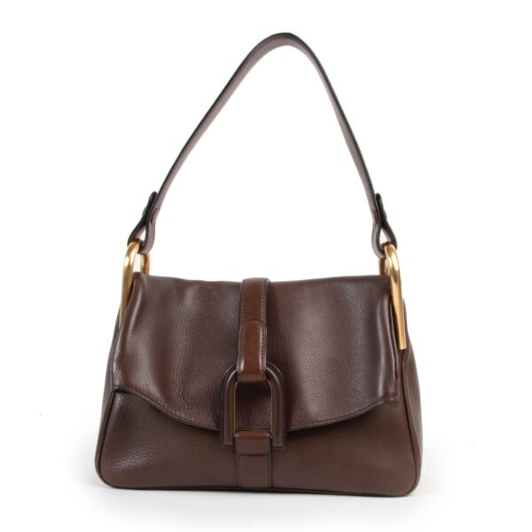 Safely purchase a used one Delvaux Brown Leather Polo Givry Shoulder bag. Buy online in a reliable way a Delvaux Brown Leather Polo Givry Shoulder bag. Buy in a safe site and easy way a Delvaux Brown Leather Polo Givry Shoulder bag