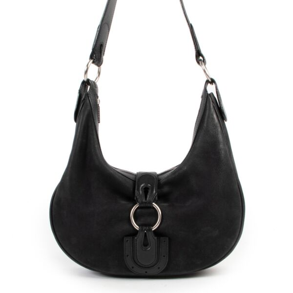 Buy and sell authentic Delvaux bags at Labellov vintage fashion webshop for the best price. Koop of verkoop authentieke Delvaux tassen bij Labellov vintage mode webshop voor de beste prijs.