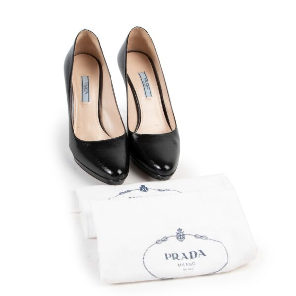 Prada Black Patent Saffiano Leather Round Toe Pumps - Size 39