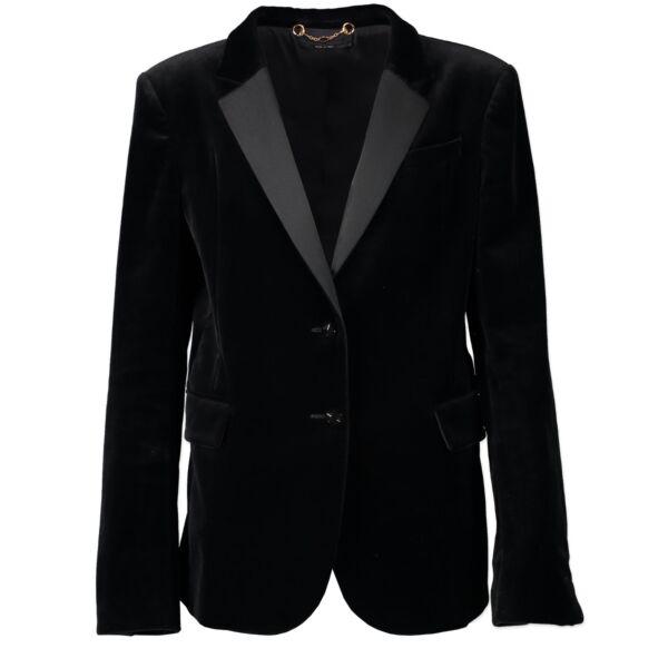 Shop safe online 100% authentic second hand Gucci Black Velvet Jacket in size 44 at the right price at Labellov in Antwerp in very good, excellent condition.