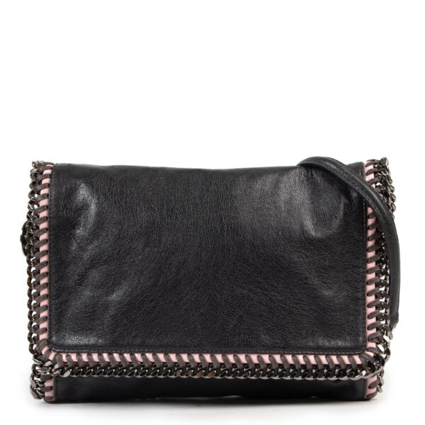 Shop safe online 100% authentic second hand Stella McCartney Black Falabella Shoulder Bag in very good condition at the right price at Labellov in Antwerp.