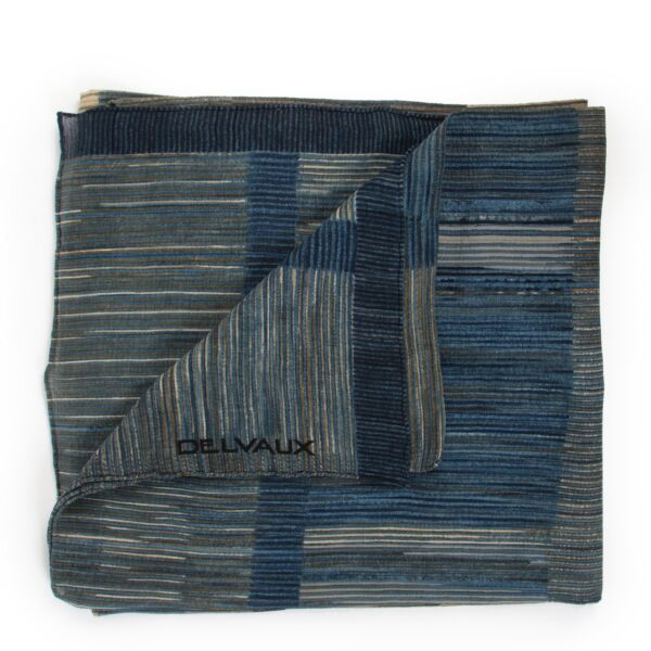 shop safe online at Labellov in Antwerp this 100% authentic second hand Delvaux Blue Striped Scarf