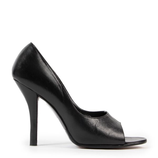 Gucci Black Pumps - Size 36 online or in store available at Labellov Antwerp.