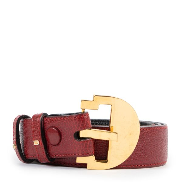 Buy these Delvaux Red Leather Belt- Size 75 for a reasonable price at Labellov online or in store. Koop deze Delvaux Red Leather Belt- Size 75 voor een redelijke prijs bij Labellov online of in de winkel.