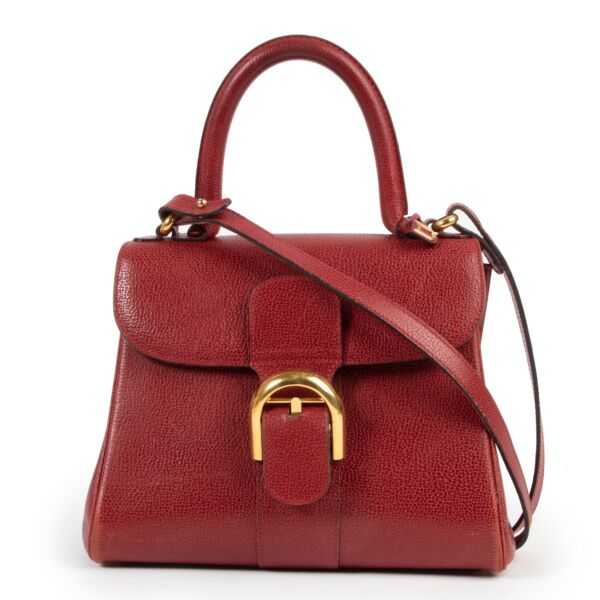 Buy these Delvaux Red Brillant for a reasonable price at Labellov online or in store. Koop deze Delvaux Red Brillant voor een redelijke prijs bij Labellov online of in de winkel.