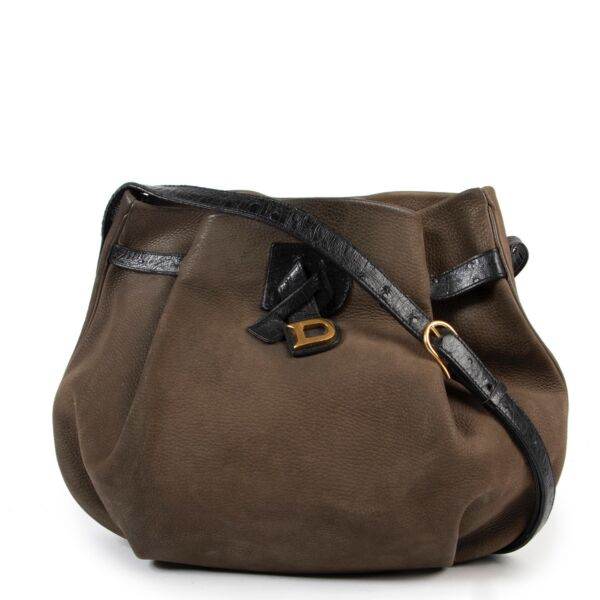 Delvaux Green / Black Ostrich Crossbody in good condition for sale on Labellov site for luxury vintage items from 2nd hand buyers
