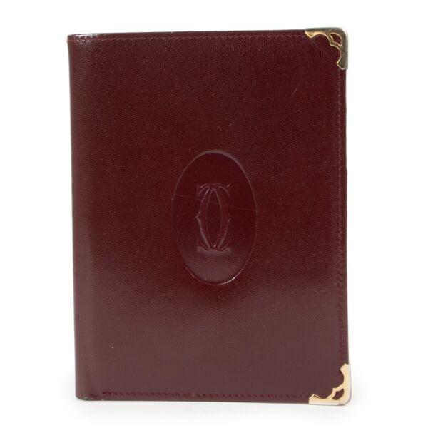 Buy these Cartier Burgundy Wallet for a reasonable price at Labellov online or in store. Koop deze Cartier Burgundy Wallet voor een redelijke prijs bij Labellov online of in de winkel.