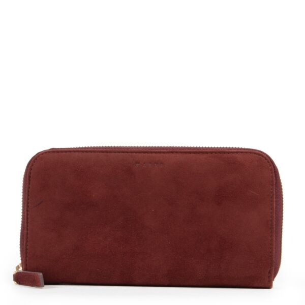 Buy this Marni Burgundy Wallet online or in store at Labellov for a reasonable price.