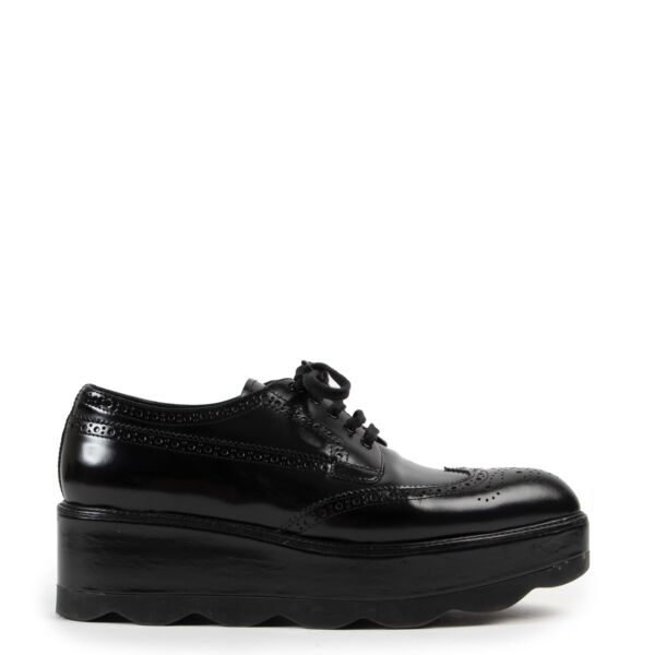 shop safe online at Labellov in Antwerp this 100% authentic second hand Prada Black Platform Brogues - Size 40