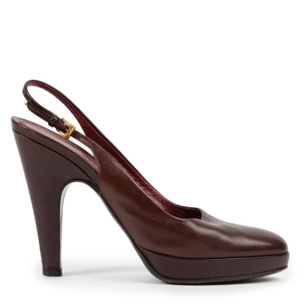 Shop safe online at Labellov in Antwerp this 100% authentic second hand Prada Burgundy Slingback Heels - Size 37,5