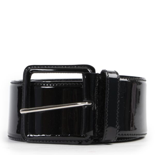 Shop safe online 100% authentic second hand Miu Miu Black Patent Leather Belt - Size 90 in very good excellent condition at the right price at Labellov in Antwerp.