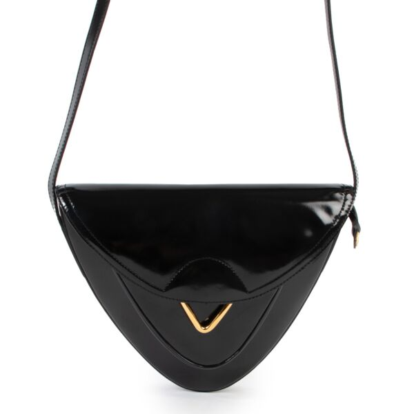 Shop safe online 100% authentic second hand Delvaux Black Patent Leather Roméo Crossbody Bag in very good condition at the right price at Labellov in Antwerp.