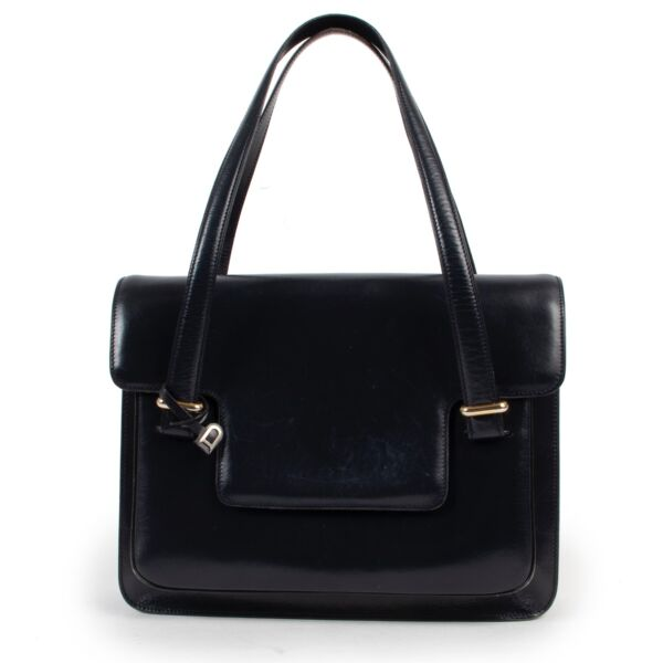 Shop safe online 100% authentic second hand Delvaux Blue Shoulder Bag in good preloved condition at Labellov in Antwerp.