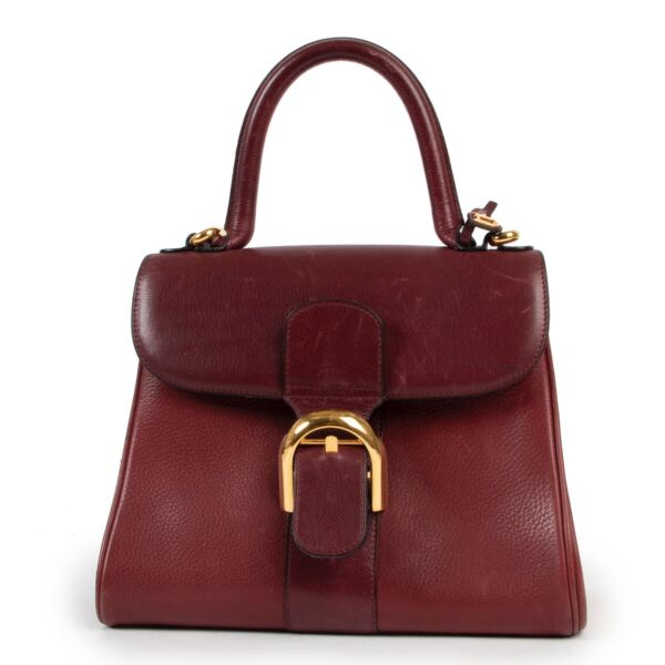 Shop safe online 100% authentic second hand Delvaux Red PM Brillant in very good condition at the right price at labellov in Antwerp.