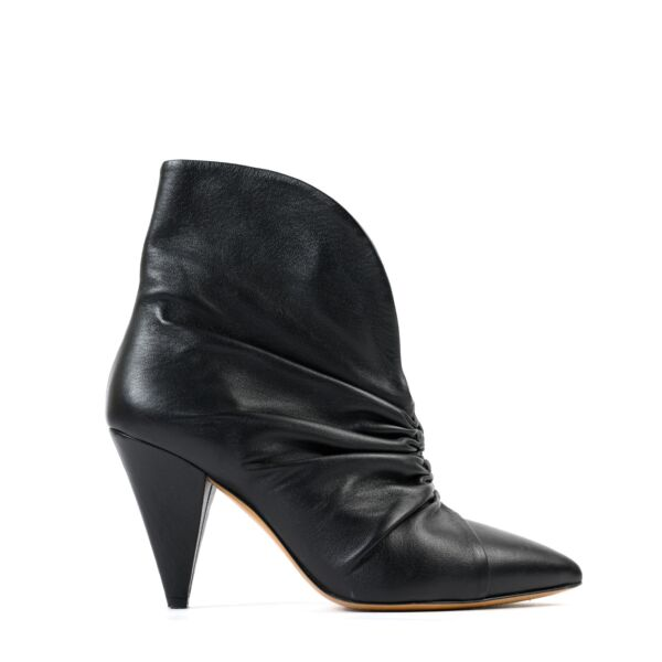 Shop safe online at Labellov in Antwerp these 100% authentic second hand Isabel Marant Black Boots - Size 36