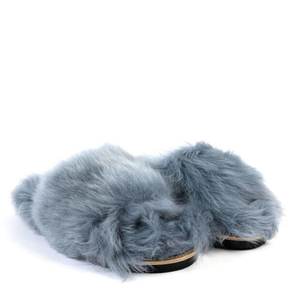Shop safe online at Labellov in Antwerp these 100% authentic second hand Dorothee Schumacher Blue Furry Slides - Size 39